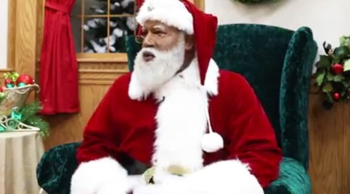 People Magazine First Black Santa Makes History at Mall of America